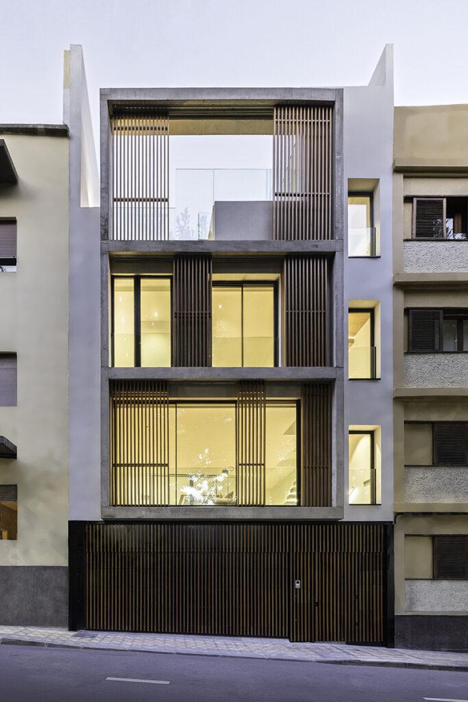 Bilateral Arquitectos - Vivienda José Naveiras fachada