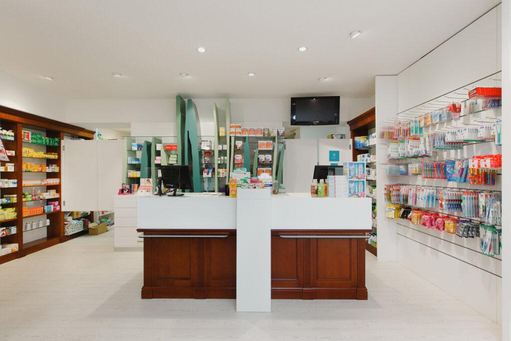 Bilateral Arquitectos - Farmacia San Miguel 07