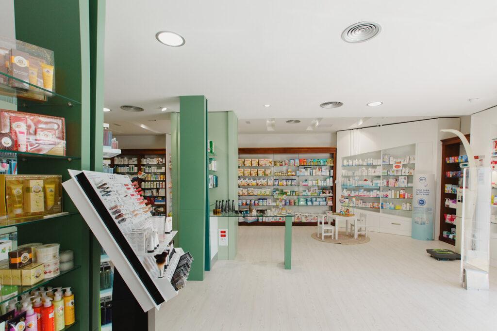 Bilateral Arquitectos - Farmacia San Miguel 04