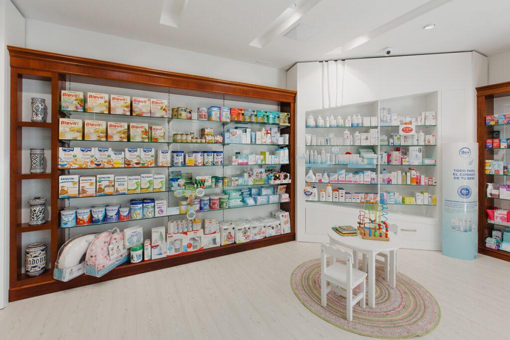 Bilateral Arquitectos - Farmacia San Miguel 03