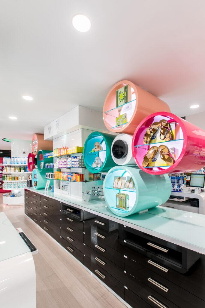Bilateral Arquitectos - Farmacia Eva Duro 15