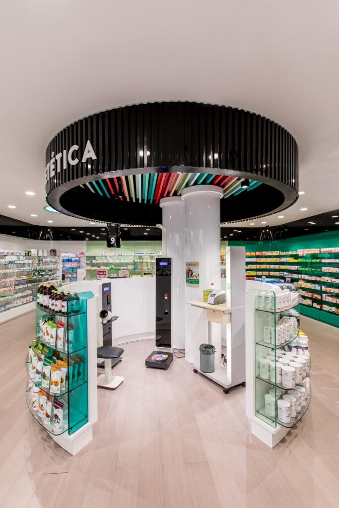 Bilateral Arquitectos - Farmacia Eva Duro 17