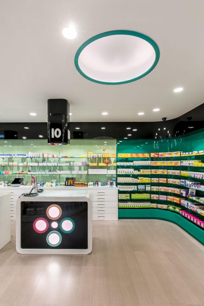 Bilateral Arquitectos - Farmacia Eva Duro 18