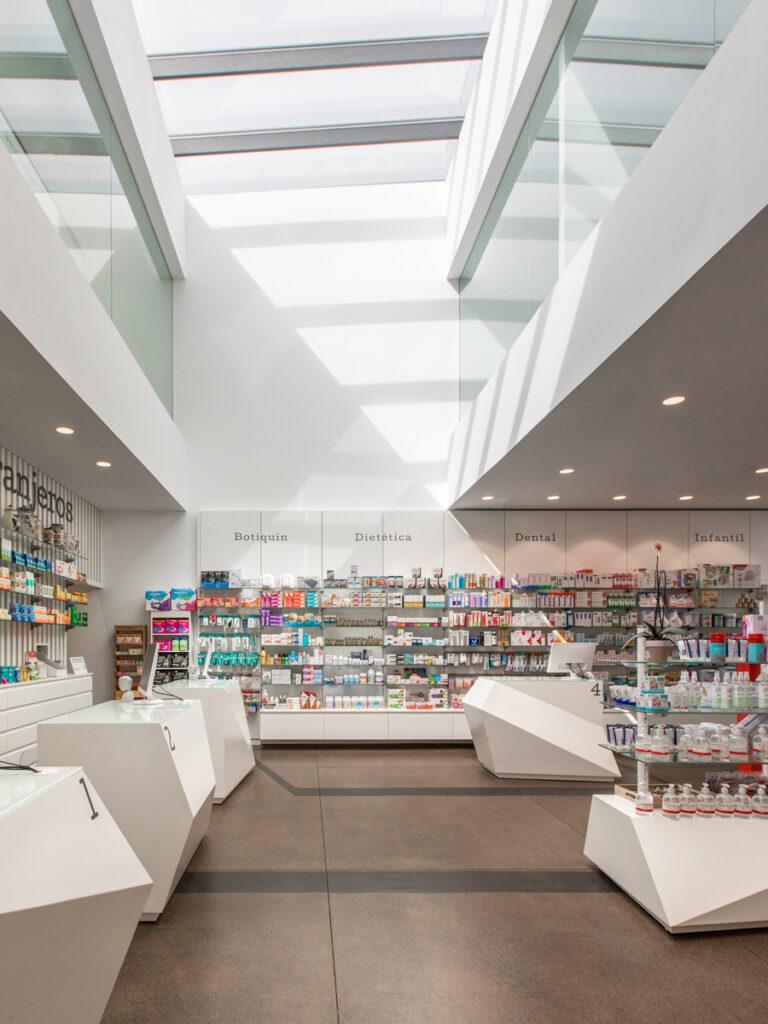 Bilateral Arquitectos - Farmacia Los Naranjeros 02