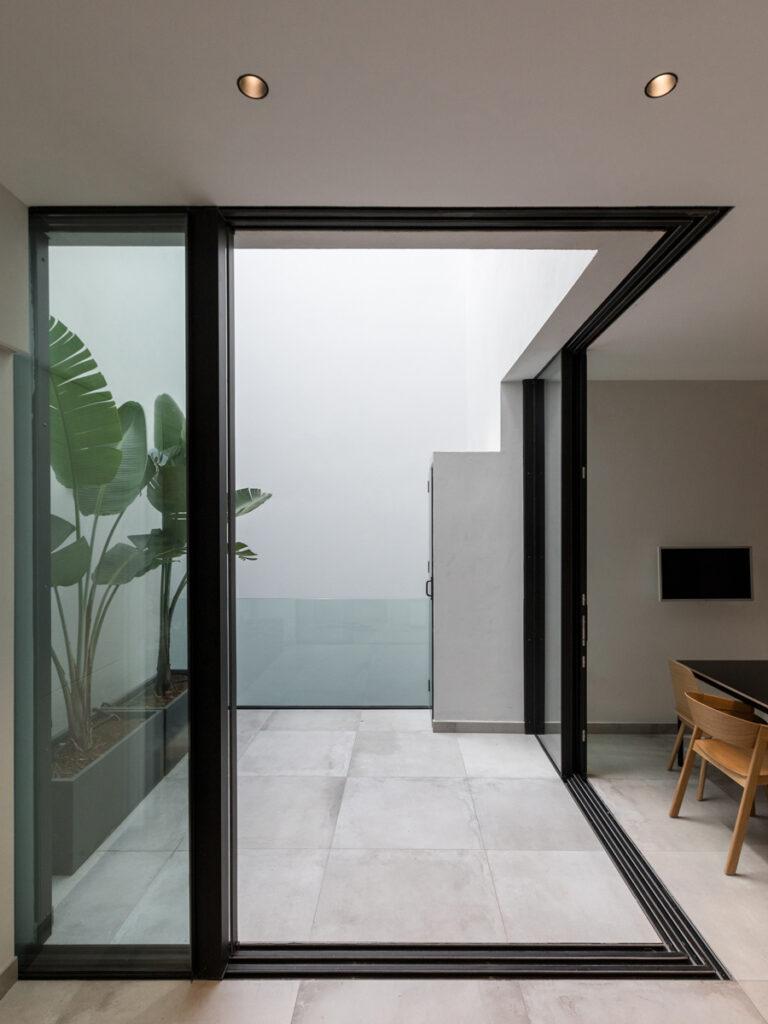 Bilateral Arquitectos - Vivienda José Naveiras 25